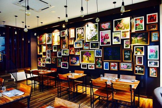 Mysore-Restaurants: Cafe Aramane