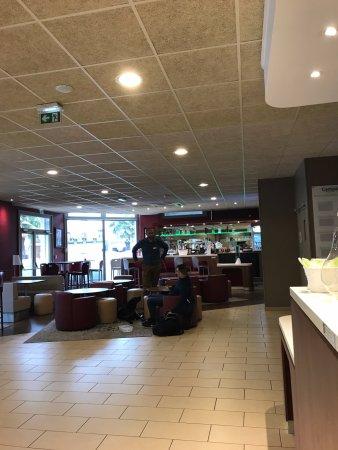 Nanterre, Frankrike: Look of the hotel lobby