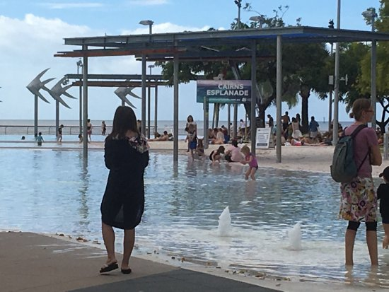 Cairns Esplanade Swimming Lagoon: photo1.jpg