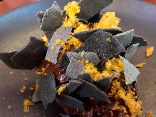 Sunshine Beach, Avustralya: Chocolate mousse with black sesame crisps