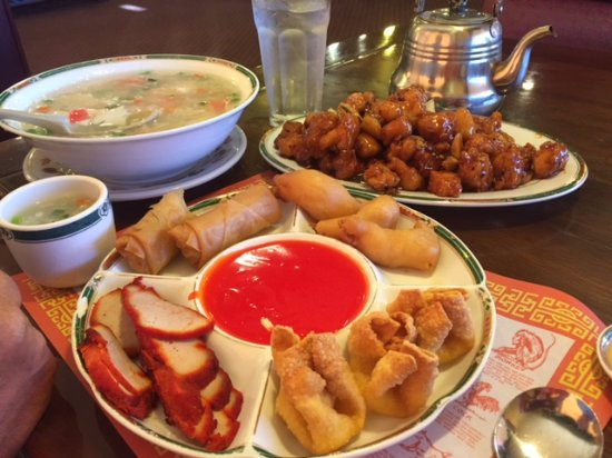 Great Wall Chinese Restaurant: Portions are huge!