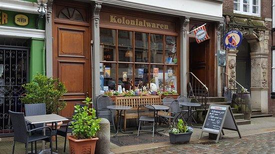 Enlich Guter Kaffee Und Selbstgebackener Kuchen Kolonialwaren