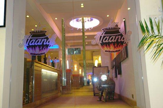 Haandi Restaurant: Haandi Main Entrace