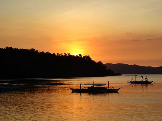 Port Barton, Filipinas: Sunset from the bar