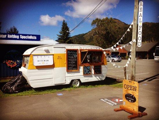 Murchison, นิวซีแลนด์: From the main road..