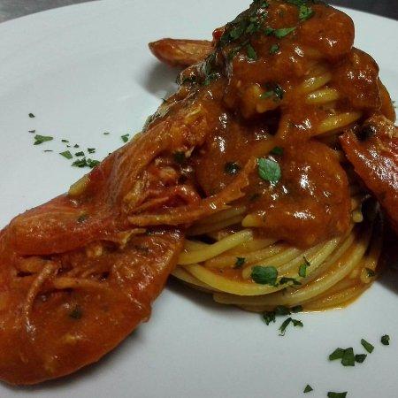 Calasetta, Italy: Spaghetti al gambero rosso di sicilia