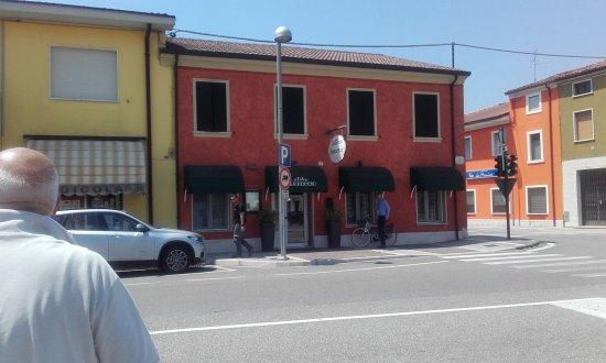 Nogarole Rocca, Italy: 20170620_124916_large.jpg