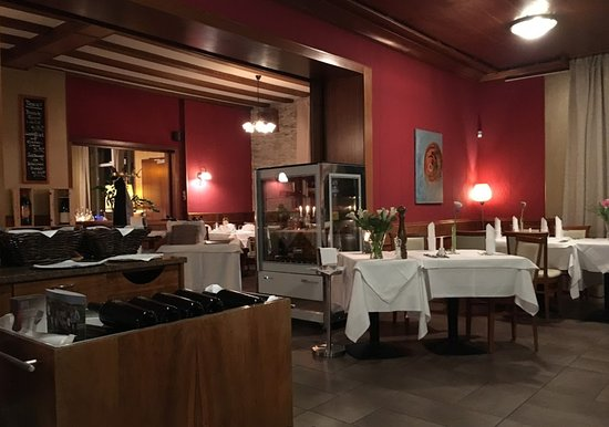 Weinheim, Tyskland: Well set rooms, not like the average Italian joints