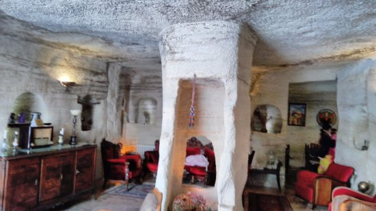 Mithra Cave Hotel: reception and views