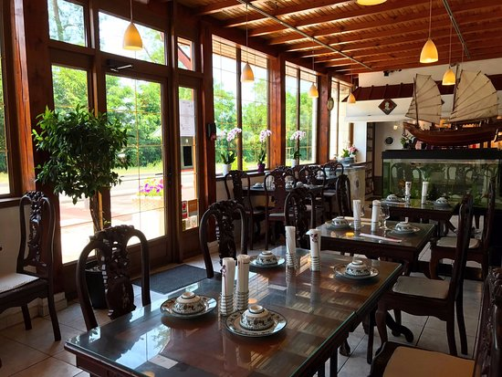 restaurant les vallees d 39 asie dans portet sur garonne avec cuisine vietnamienne. Black Bedroom Furniture Sets. Home Design Ideas