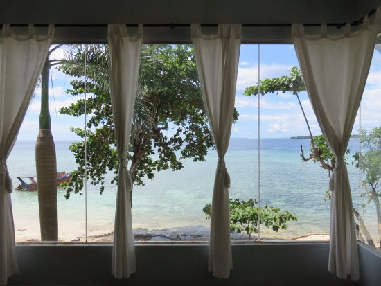 Bunaken Cha Cha Nature Resort: View from Ocean Beach Villa