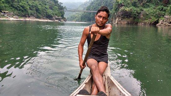 Meghalaya, Hindistan: amazing guy .Kudos to him (y)