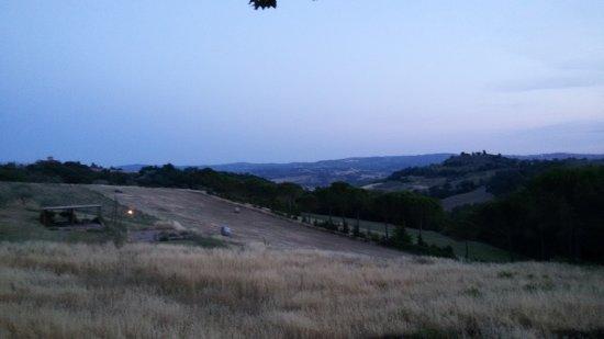 Castelfiorentino, Italia: 20170622_211537_large.jpg