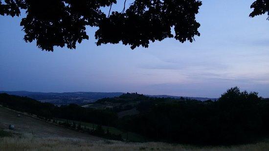 Castelfiorentino, İtalya: 20170622_211551_large.jpg