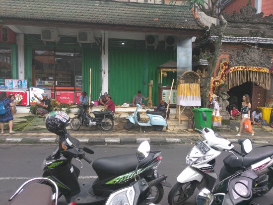 Ubud Shopping Street
