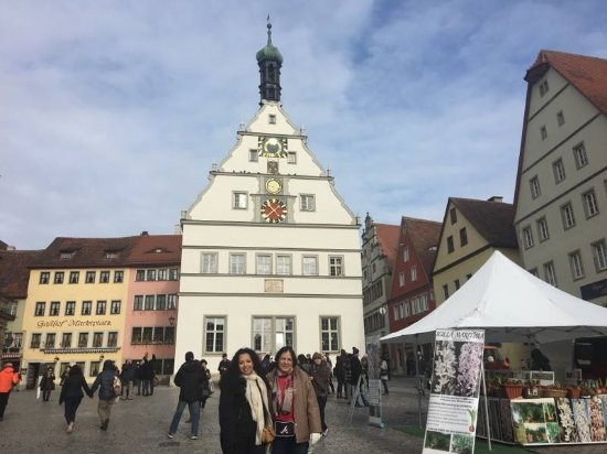 Rothenburg Town Hall (Rathaus): Beautiful square