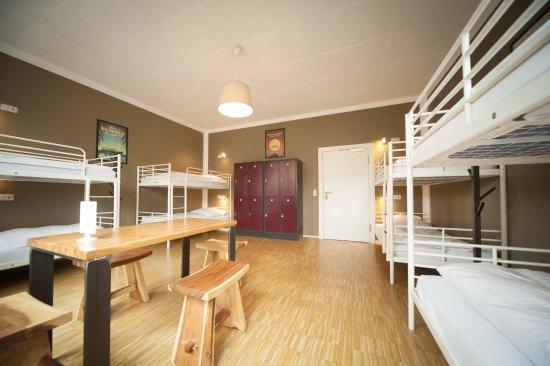 Five reasons hotel hostel bewertungen fotos for Bar 42 nurnberg