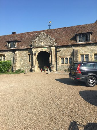 Eastwell Manor: Main entrance