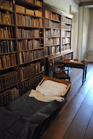 Lacock, UK : Where Henry Fox Talbot slept while thinking so he wouldn't annoy his wife.