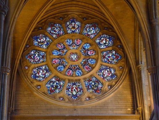 Truro, UK: Gorgeous Stained Glass Window