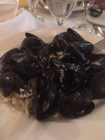 ลิตเทิลริเวอร์, เซาท์แคโรไลนา: Mussels on linguine (lots of garlic!)
