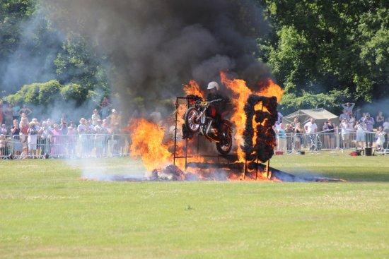 Camberley, UK: Fire display