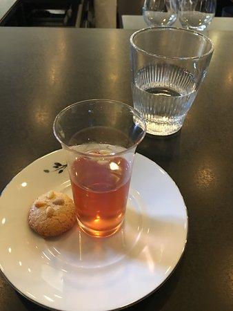 Somerville, MA: Schisandra Tea