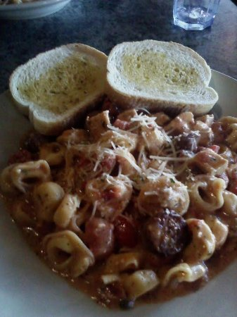 Brooklyn Park, MN: Chicken and Sausage Tortellini Corleone