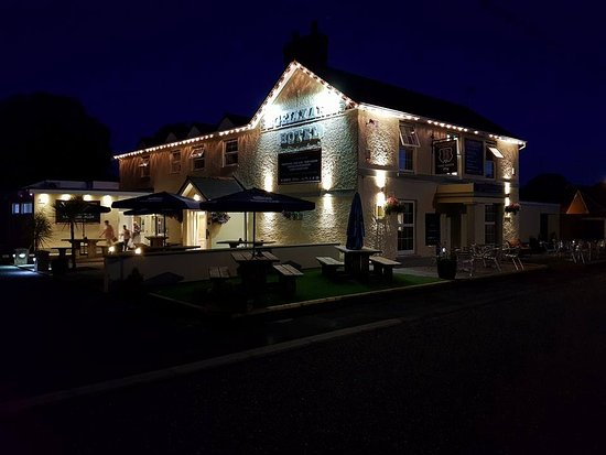 The Begelly Arms Restaurant: begelly Arms at night