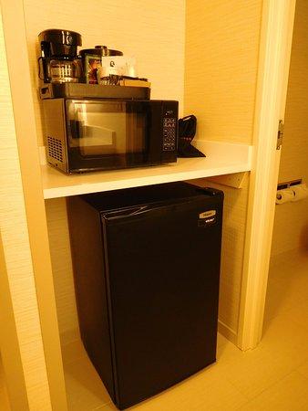 Loveland, CO: Fridge, microwave and coffeemaker