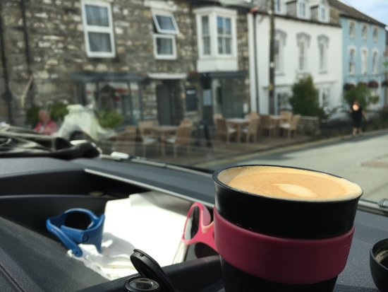 Newport -Trefdraeth, UK: Cortados are not in the menu....but just ask. Really rather good.