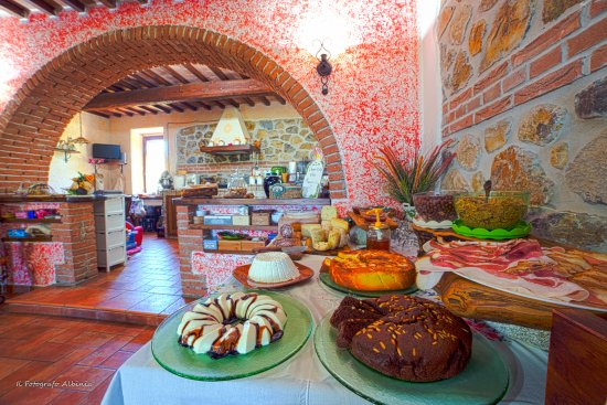 Semproniano, Italy: Sala colazioni con dettaglio del buffet