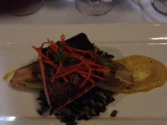 The Blue Rose Inn & Restaurant: Salmon