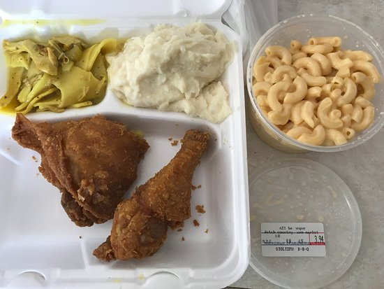 Middletown, Ντέλαγουερ: Fried chicken dinner w/ chicken pot pie, potatoes & mac-n-cheese