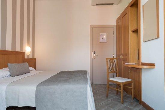 Hotel perla verde milano marittima italia prezzi 2018 for Comfort zone milano prezzi