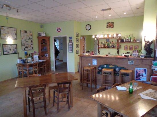 Chardonnay, Francia: Le restaurant où l'on prenait aussi le petit déjeuner