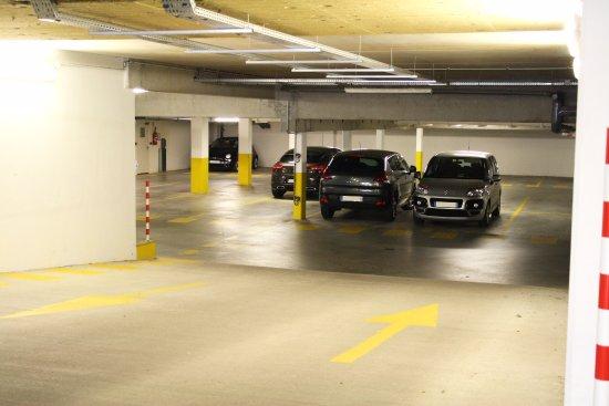 Saint-Jacques-de-la-Lande, Frankrike: Parking privé gratuit