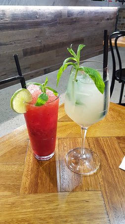 Homebush, Australia: Our mocktail and cocktail
