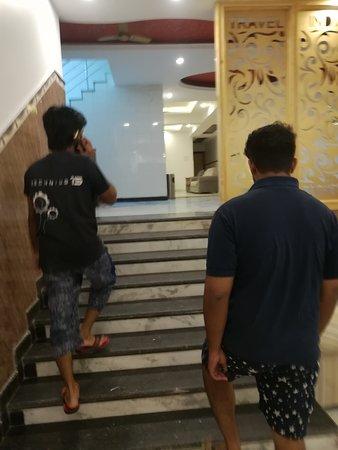 Hostel New Hindustan: IMG_20170622_225833_large.jpg
