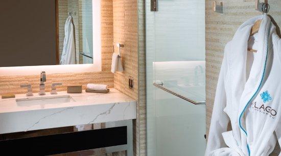 Waterloo, NY: Bathroom