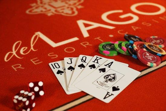 Waterloo, NY: Full Service Casino