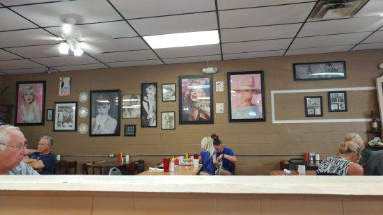 Lithia Springs, GA: Tiffany's Kitchen