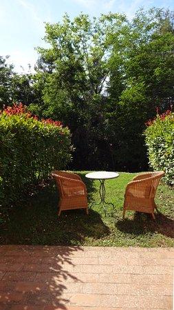 Logge Del Perugino W&B Resort: La vista sul giardino