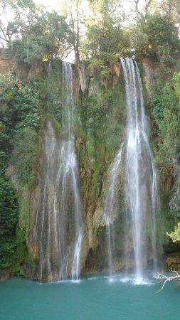 Sillans-la-Cascade, Frankrike: la cascade en juin