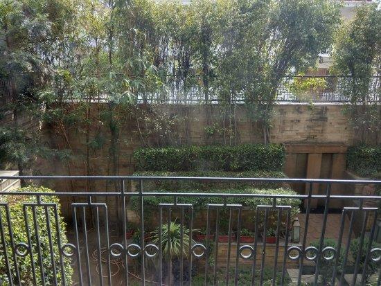 juSTa Gurgaon Hotel: Corner rooms have balconies