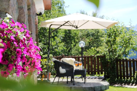 Soprabolzano, Italy: Chalet garden detail