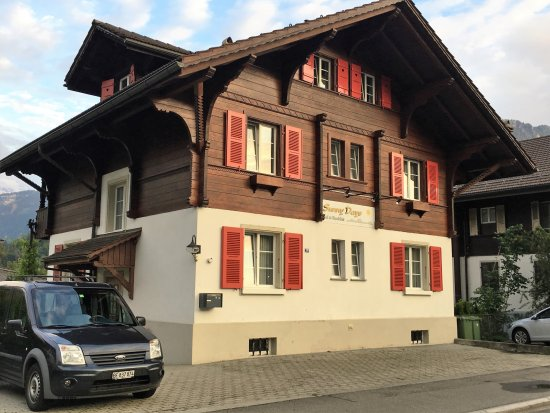 Unterseen, Suisse : View from front of B&B