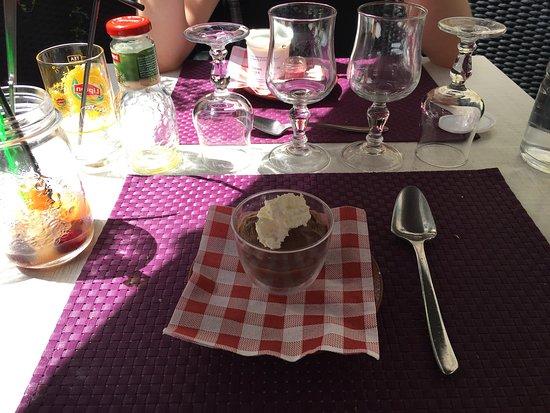 Photo de la table de laurene la fl che for La table de laurene