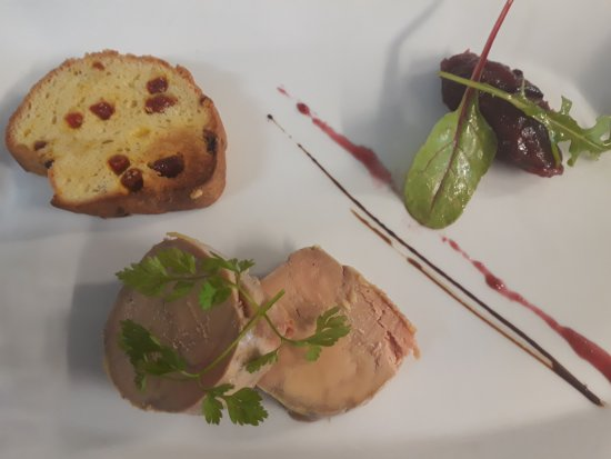 Belley, France: Foie gras & sa brioche toastée aux baies de Goji