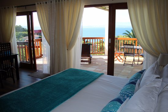 Aquamarine Guest House: Separate Self Catering unit with private sea view patio